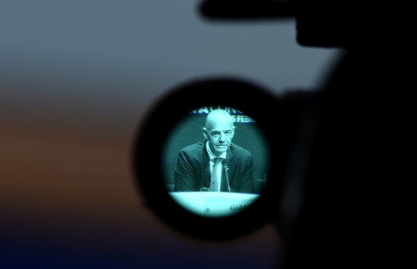 Ly do giup Gianni Infantino tro thanh chu tich FIFA hinh anh 2