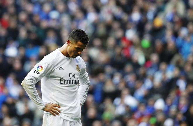 Toi luc Ronaldo phai lo so hinh anh 1