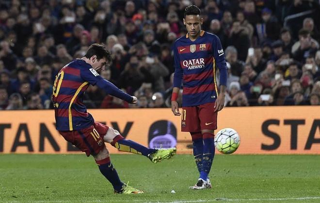 Ven man cong thuc sut phat cua Messi hinh anh 1