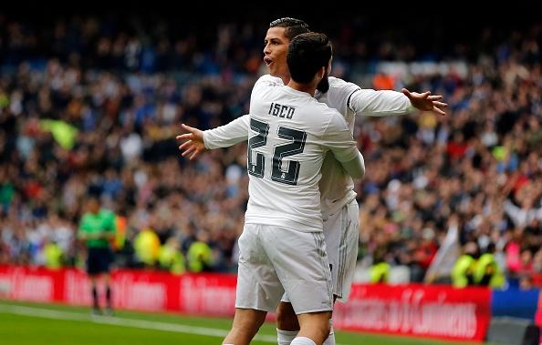 Real Madrid lam cach mang tu bom tan hinh anh