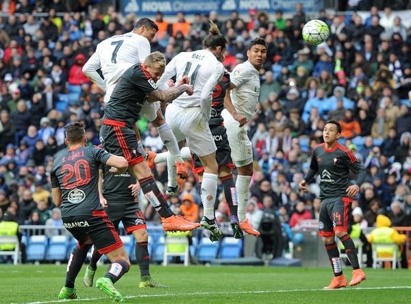 Truyen thong the gioi than phuc truoc 'Sieu Ronaldo' hinh anh 2
