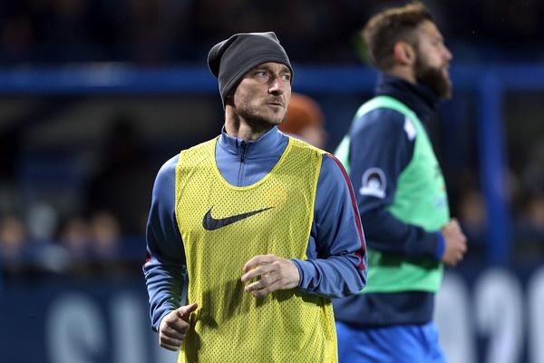 Francesco Totti va loi tam biet cua vi vua thanh Rome hinh anh 1