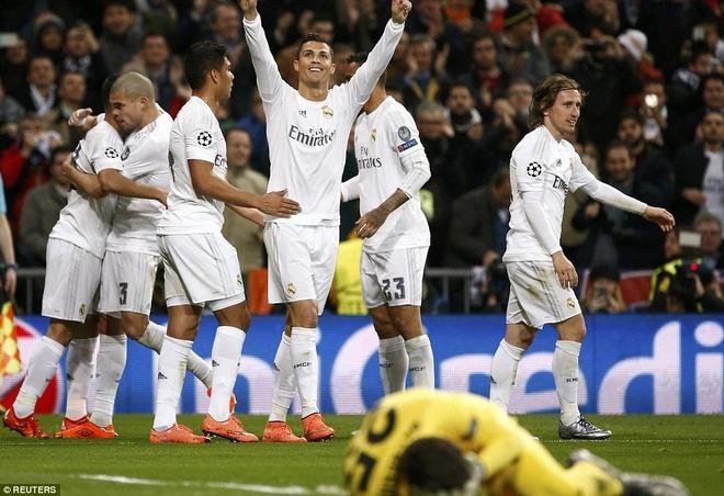 Khong Ronaldo, khong tiec tung hinh anh 3