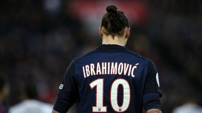 Ibrahimovic, vuot qua noi am anh hinh anh