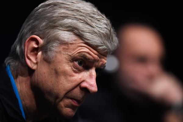 Cop chet de da, Wenger co de lai tieng? hinh anh
