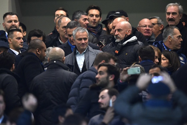 Mourinho se di vao lich su neu toi MU hinh anh 1
