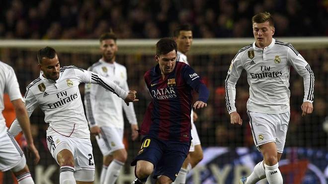 Messi vi dai the nao trong mat nha bao Anh hinh anh 1