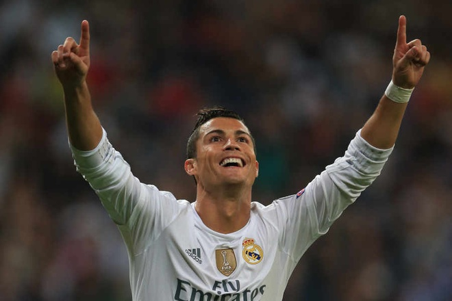 Nguoi Anh len con sot voi Ronaldo hinh anh