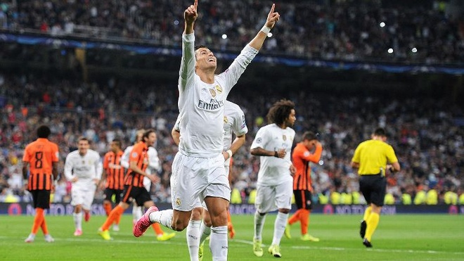 Ngay Ronaldo dung do phien ban loi anh 1