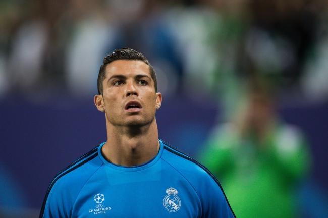 Ronaldo mac sai lam nghiem trong hinh anh