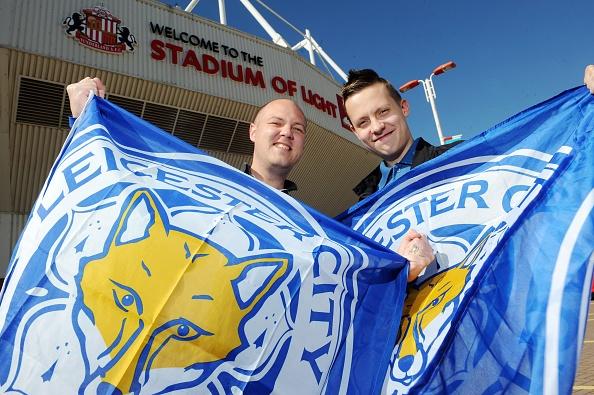 Gia ve xem Leicester City bi day len 15.000 bang hinh anh