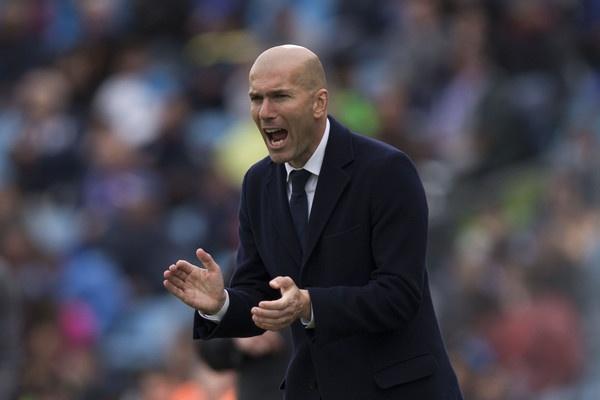 Real dang so nho su tram lang cua Zidane hinh anh 2