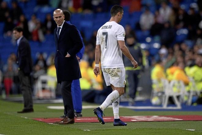 Ronaldo khong doai hoai toi Zidane khi roi san hinh anh 1