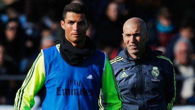 Zidane dang tro nen hen nhat vi Ronaldo hinh anh