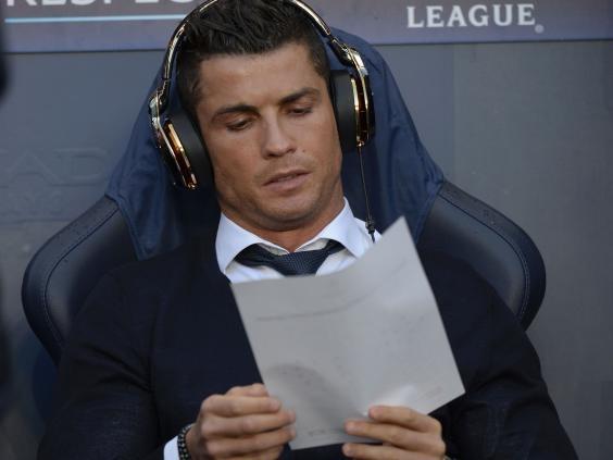 Tu chiec quan rach cua Zidane toi gia tri mot thien tai hinh anh 2