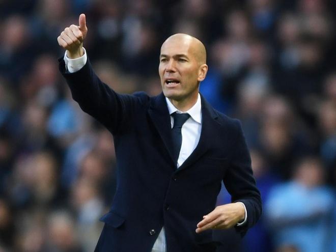 Zidane lai gap su co rach quan hinh anh