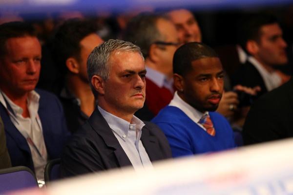 Bao Anh: Mourinho tro thanh HLV cua MU trong 48 gio toi hinh anh 1