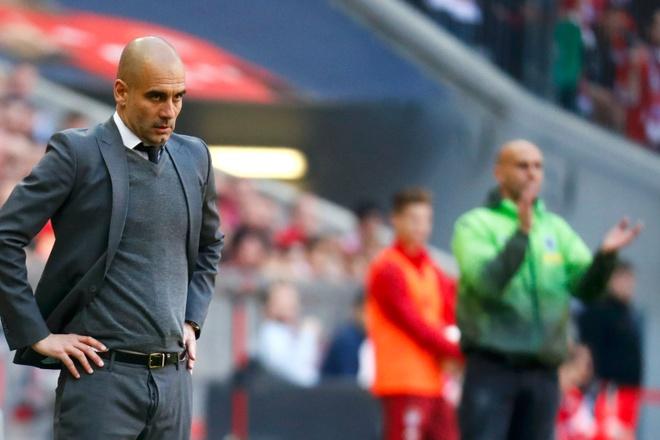 Bao Duc: 'Bayern dang run ray truoc Atletico' hinh anh