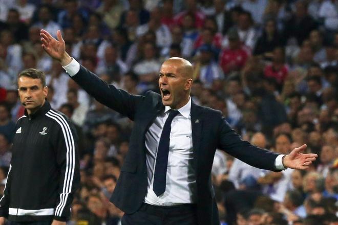 Zinedine Zidane - Ban linh khong nam o loi thi phi hinh anh