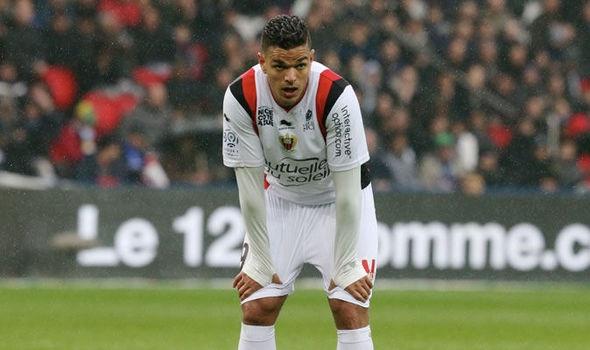 Barca dam phan mua 'tieu Zidane' hinh anh 1
