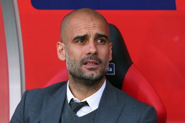 Pep Guardiola no West Ham loi cam on hinh anh