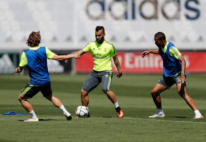 Real Madrid vs Atletico Madrid anh 1