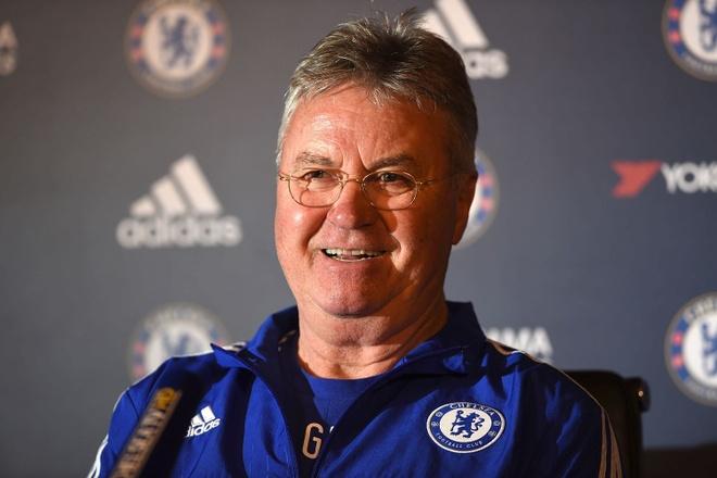 Chelsea se co ca Guus Hiddink lan Antonio Conte hinh anh
