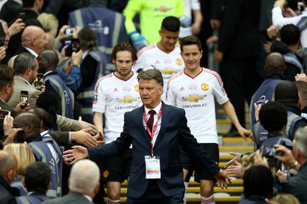 Voi Van Gaal, cup FA la su nguy bien tui ho hinh anh 1
