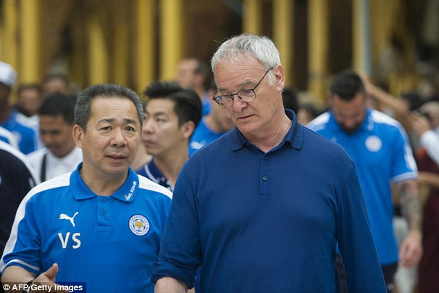 Cau thu Leicester thanh tam truoc Phat tren dat Myanmar hinh anh 7