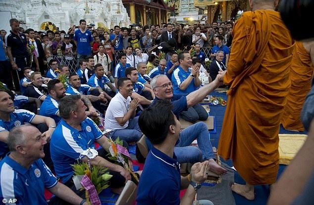 Cau thu Leicester thanh tam truoc Phat tren dat Myanmar hinh anh 5