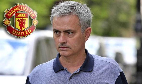 'Man United nen chon Pep chu khong phai la Mourinho' hinh anh