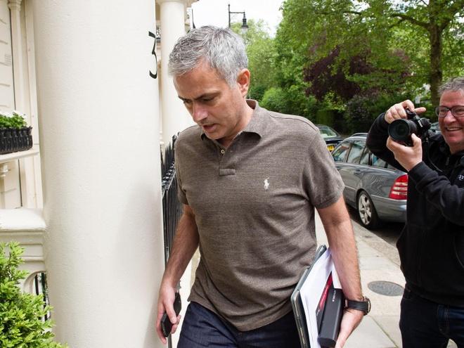 He lo ke hoach xay dung MU cua Mourinho hinh anh 1