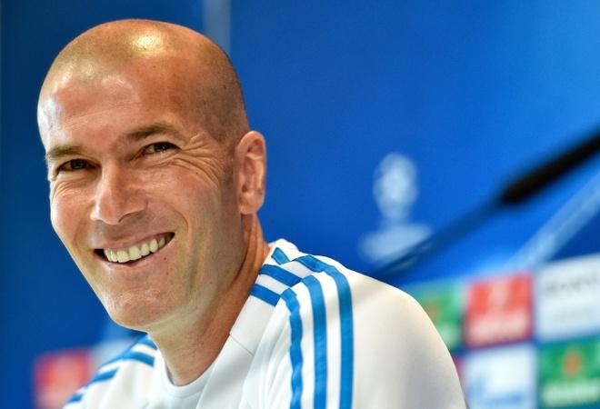 Real cua Zidane: Ba thang cu ngo 30 nam hinh anh