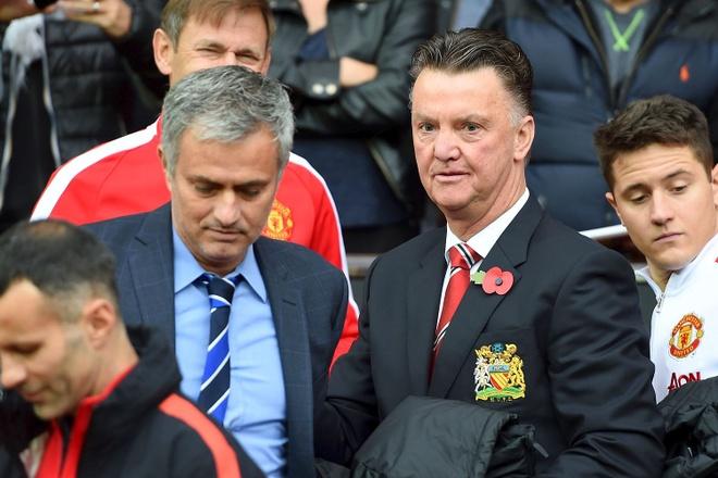 Suy doan Van Gaal bi Mourinho dam sau lung hinh anh 1