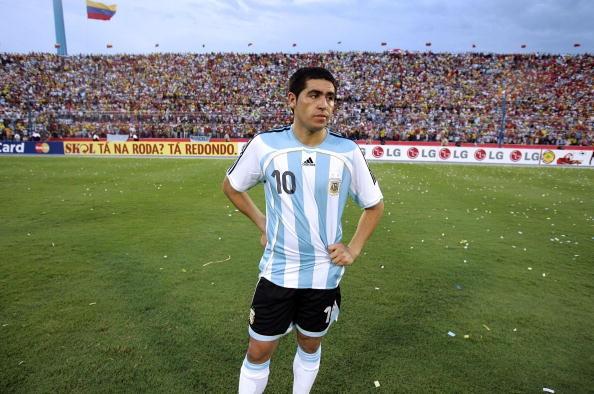 Messi, Maradona va 8 huyen thoai vo duyen voi Copa America hinh anh 6