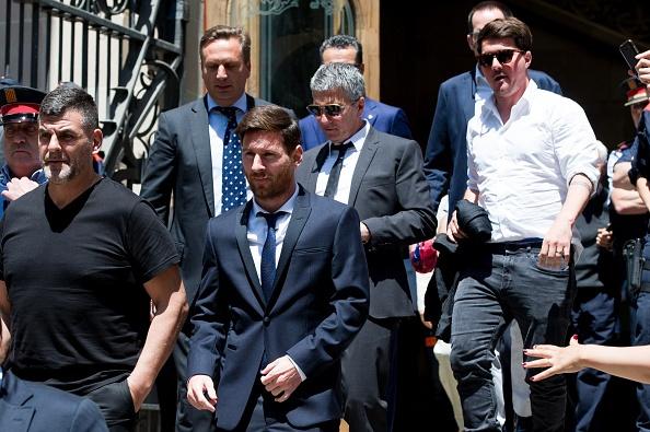 Messi, dang sau su ngay tho la trum mafia? hinh anh 1