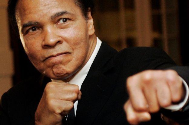 Muhammad Ali - huyen thoai di tu vi phan doi chien tranh VN hinh anh