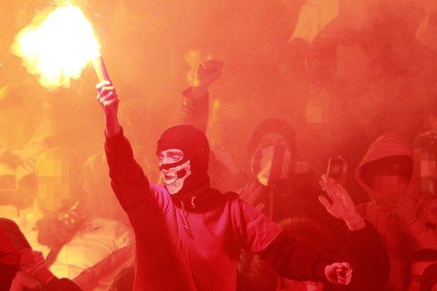 Hooligan Nga doi 'lam thit' CDV Anh hinh anh 1