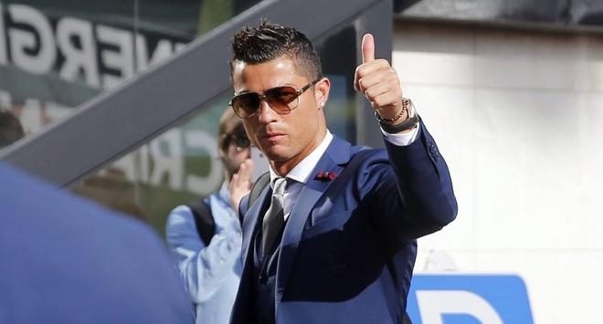 Ronaldo tu nhan hay nhat the gioi hai thap nien qua hinh anh