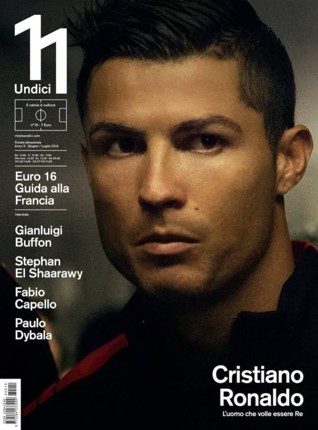 Ronaldo tu nhan hay nhat the gioi hai thap nien qua hinh anh 1