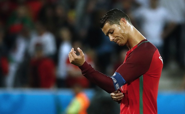 Chi trich Ronaldo la toi ac kinh khung hinh anh