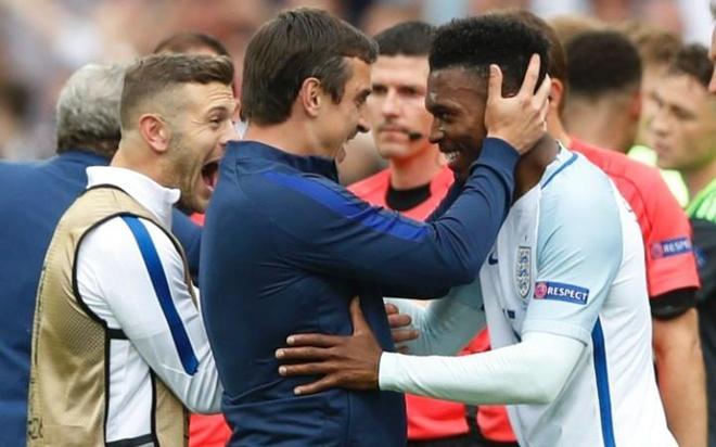 Mot Rooney vo hai va canh bac tat tay cua tuyen Anh hinh anh