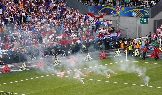 Rakitic so Croatia bi UEFA loai khoi Euro 2016 hinh anh 1