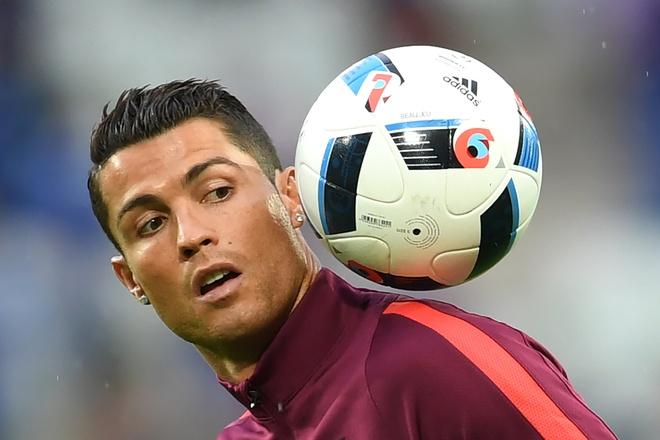 Len tieng di, mot Ronaldo kieu ngao bac nhat hinh anh