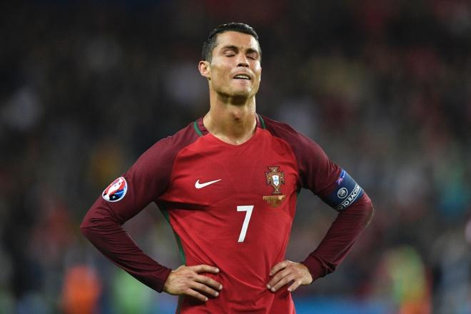 Khi Ronaldo can Modric doi quoc tich Bo Dao Nha hinh anh