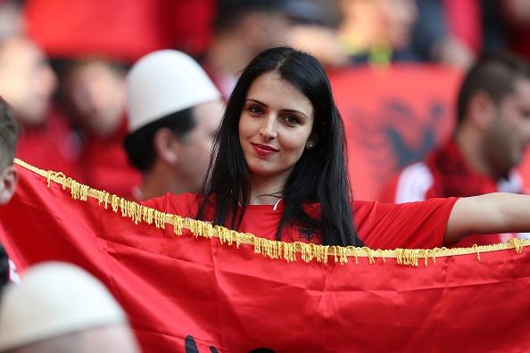 Vi cai dep, hay de Albania o lai Euro 2016 hinh anh 1