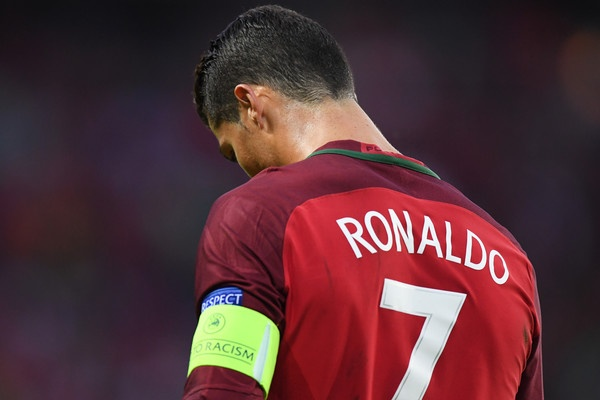 Ronaldo - vi dai, u sau va su phi ly hinh anh 2