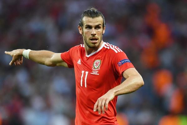 Ronaldo va Bale: Hai mat cua anh hung hinh anh