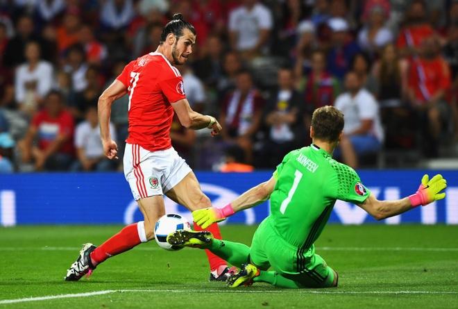Gareth Bale lai cham ngoi khau chien voi nguoi Anh hinh anh 1