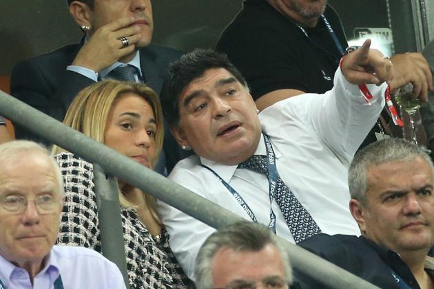 Maradona: Chinh Ronaldo se khien Bo Dao Nha om han hinh anh 1